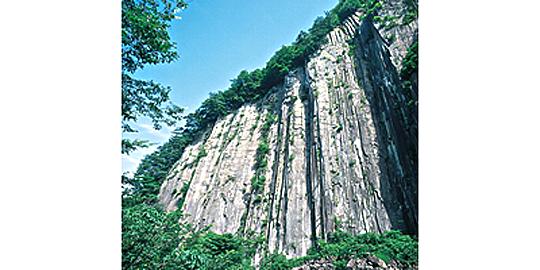 「材木岩」の写真