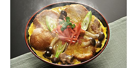 「登米油麩丼」の写真